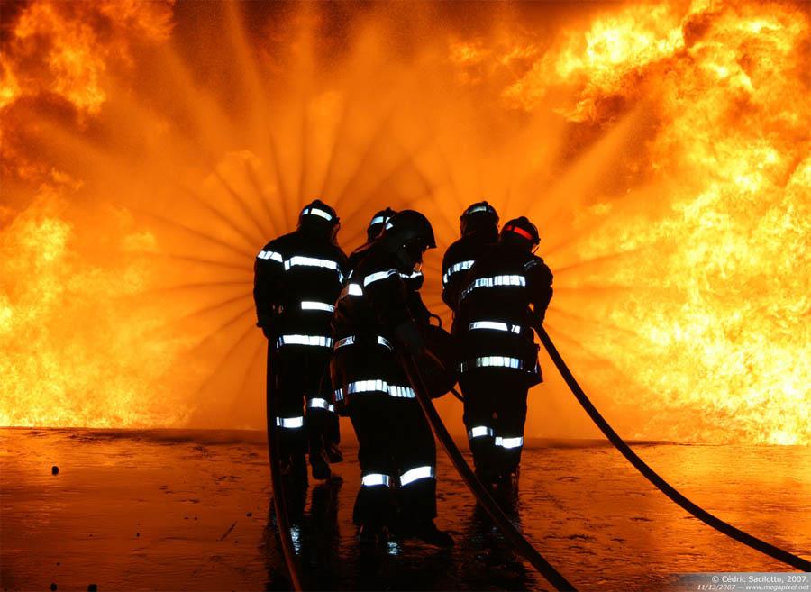 pompier-vs-flammes1