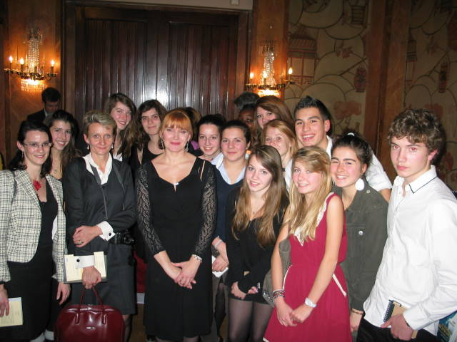 Students and teachers with Sophie Herfort member of the jury